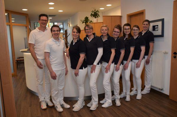 Zahnarzt Mettingen Team Sommer 2019